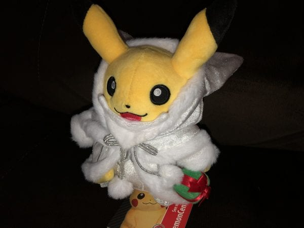 Pikachu's Hood can be removed!